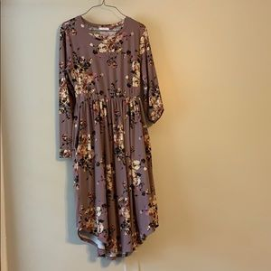 Dresses & Skirts - Light purple floral dress